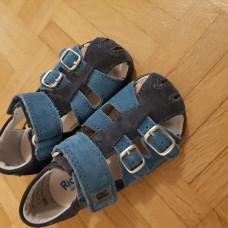 Sandalen von Richter Grösse 22